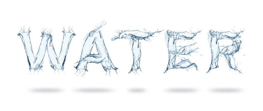 """Das Wort """"Water"""" aus Wasser geschrieben"""